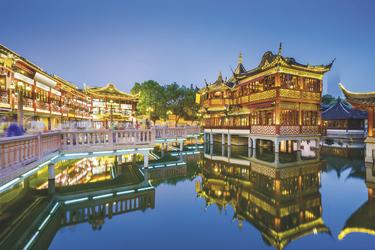 Abendstimung im Yu Yuan Garten Shanghai (© SeanPavonePhoto / Fotolia)