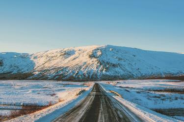 Winterliche Straße auf Island ©Pixabay