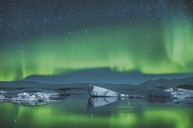 Polarlichter über den Eisbergen © Ben Burger - Fotolia