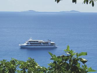 MY PEGASUS vor Aride Island - copyright Variety Cruises