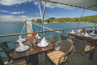 Außenbereich des Restaurants - copyright Variety Cruises, ©Variety Cruises