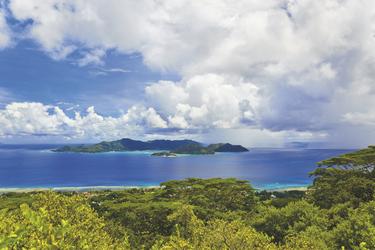Blick auf Praslin Island - copyright Variety Cruises