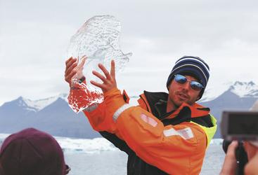 Erklärungen beim Ausflug zur Gletscherlagune Jökulsarlon - c Island ProTravel, ©Island ProTravel
