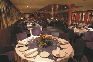 Restaurant - Variety Cruises, ©Variety Cruises