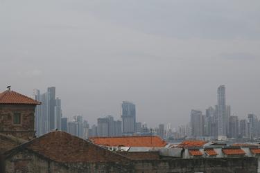Alt und Neu in Panama-Stadt