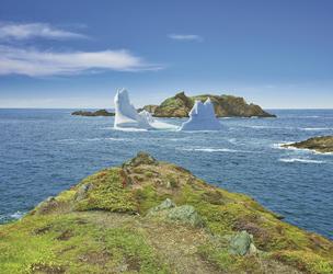 Eisberg vor der Küste Neufundlands - c Barrett & MacKay Photo/Newfoundland & Labrador Tourism